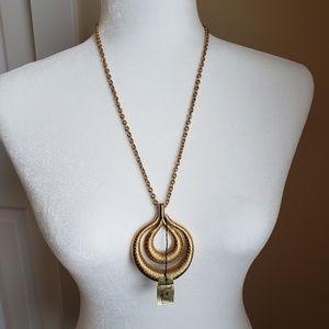 Vintage Crown Trifari gold tone necklace
